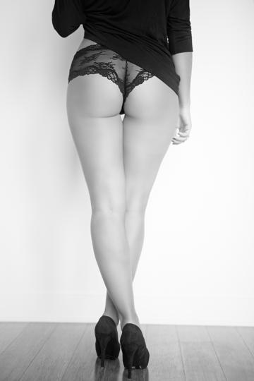 MG Boudoir Photographie - noir - talons - lingerie - sexy