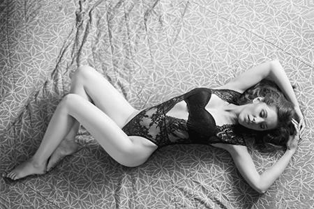 MG Boudoir Photographie - passion - désir - amour - haut de gamme - passion - beauté - bodysuit